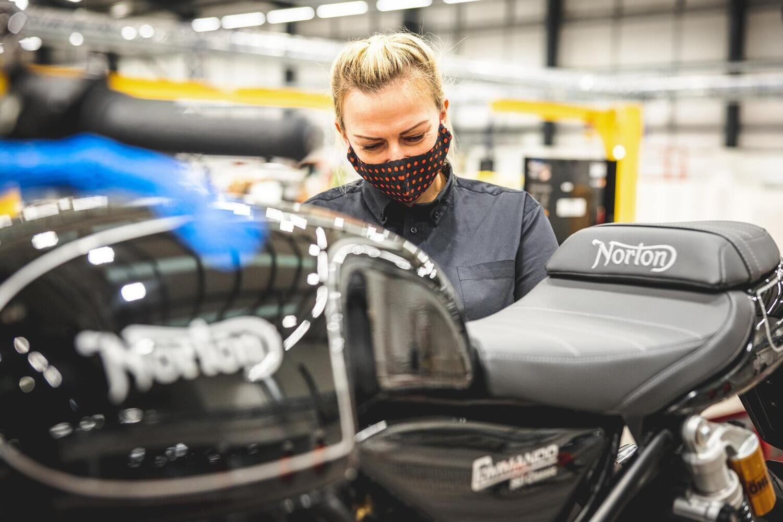 Norton: nuova fabbrica in UK e il CEO di TVS sarà Ralf Speth