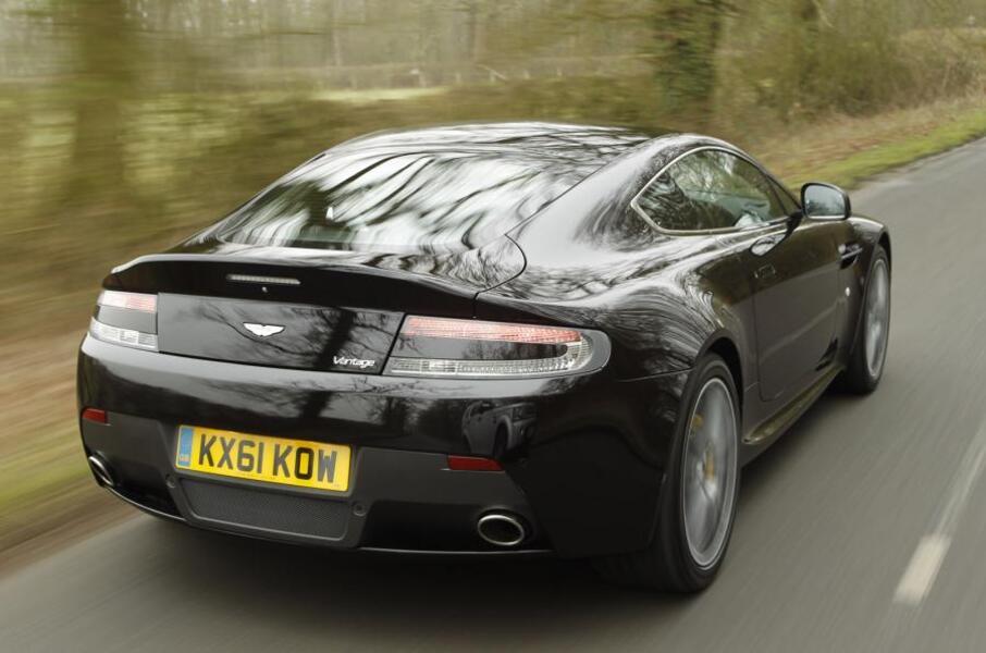 Aston Martin V8 Vantage (2005->>) (2)