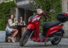 Kymco People One 125i a 2.100 euro con parabrezza e bauletto