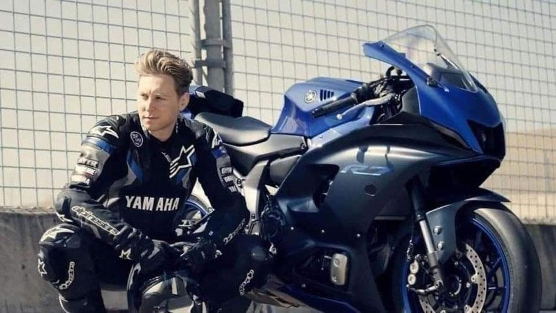 La nuova Yamaha R7 anticipata dalle foto ufficiali. Ecco come è fatta