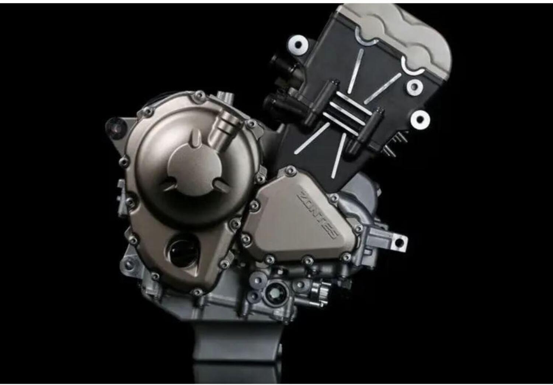 Un nuovo motore (per nuove moto) a tre cilindri da Zontes