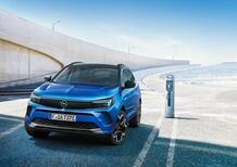Opel Grandland, tolti i veli al restyling