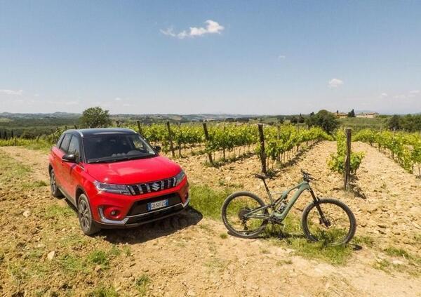 Una settimana tra Mondiale E-Bike e guida elettrificata, Con Suzuki Vitara Hybrid