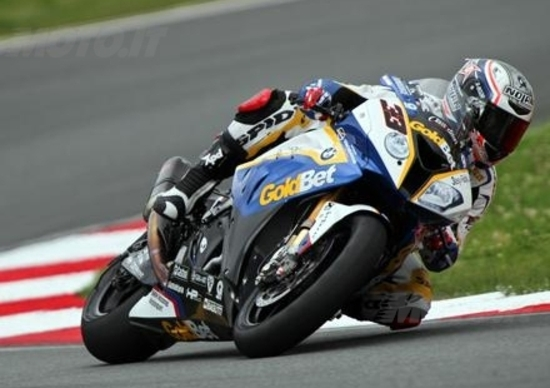 "Buzzoni (Team Manager BMW SBK): ""Non andremo in MotoGP"""