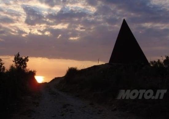 Viaggi in moto: Piramidi in Sicilia
