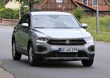 Volkswagen T-Roc restyling, le foto spia
