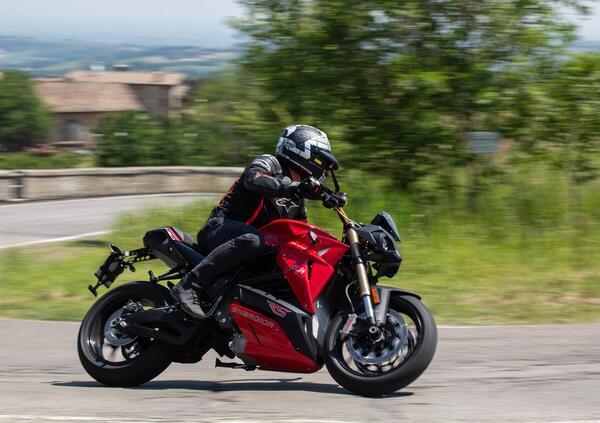 Energica Eva Ribelle RS 2021 TEST. Balzo epocale