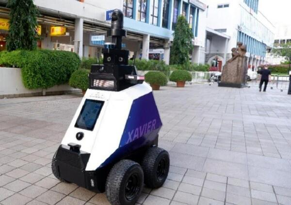 Il robot poliziotto è realtà... per ora a Singapore