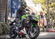 """Kawasaki Ninja 650, le nuove colorazione 2022 e la """"Performance"""""""