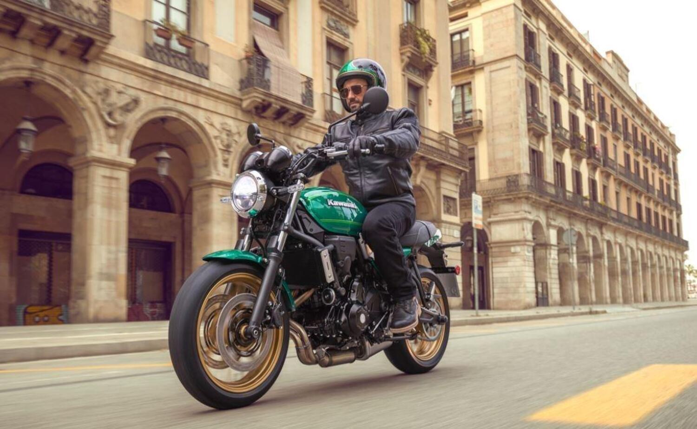 Kawasaki Z650RS 2022. Ecco la nuova classica, foto e dati