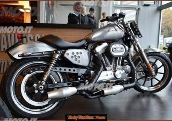 Le Strane di Moto.it: Harley-Davidson 883 SuperLow