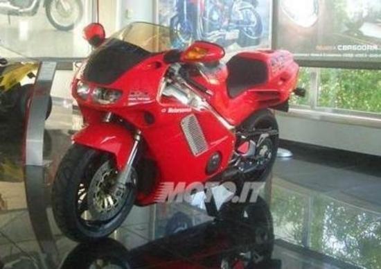 Le Belle di Moto.it: la Honda NR 750 dei record