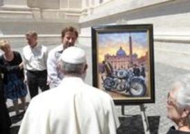 """Papa Francesco guarda il quadro """"Incontro casuale"""""""