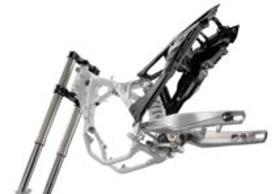 Su tutta la gamma arrivano il telaietto posteriore in materiale sintetico e il link posteriore progressivo