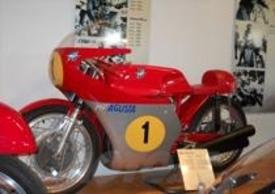 La MV ha vinto fior di campionati mondiali con i suoi fantastici motori a tre cilindri di 350 e 500 cm3 tra la metà degli anni Sessanta e i primi anni Settanta.
