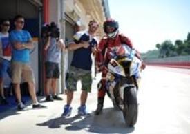 Il nostro tester con Marco Melandri e la Superbike ufficiale