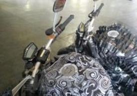 La strumentazione e i blocchetti elettrici sono del tutto simili a quelli degli ultimi modelli Ducati
