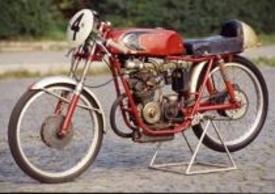 Nel 1962 ha fatto la sua comparsa la Demm 50 bialbero a sei marce, frutto di nuova progettazione