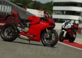 Le protagoniste della Superbike sul rettilineo di Imola