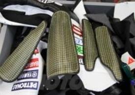 Gli inserti speciali in carbonio, studiati per proteggere meglio tibia e perone di Rossi