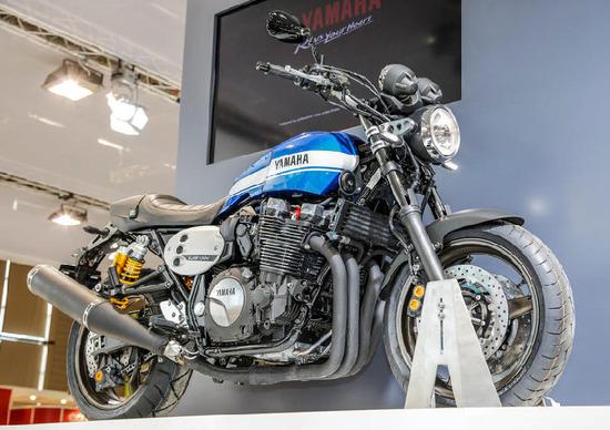 Yamaha XJR 1300 e XJR 1300 Racer 2015
