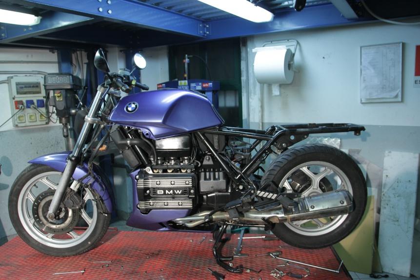 come nasce una special: bmw k75 - news - moto.it