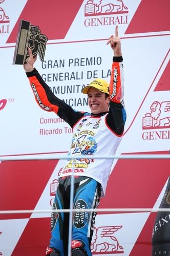 Alex Marquez sul podio, campione del mondo Moto3