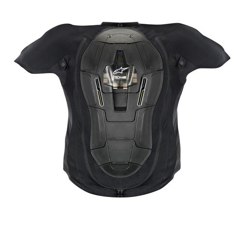 Il gilet visto da dietro, con paraschiena ed airbag integrati