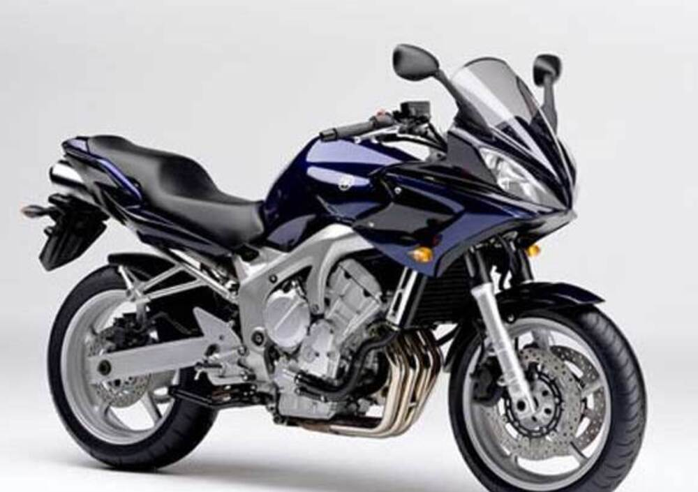 SOLD - 2004 Yamaha FZ6 - J B Motorcycles, pre-owned