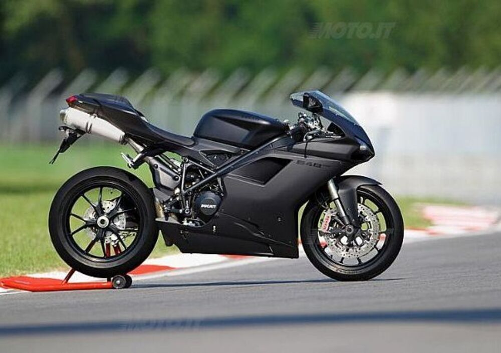 Ducati 848 EVO (2010 - 12)