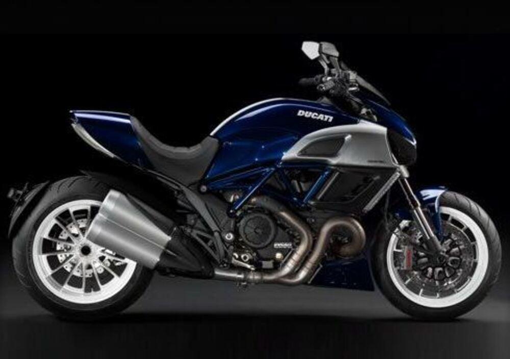 Ducati Diavel (2010 - 13) (2)