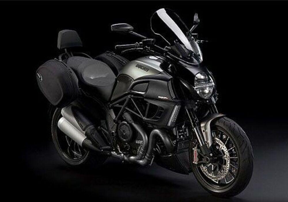 Ducati Diavel Strada (2010 - 14)