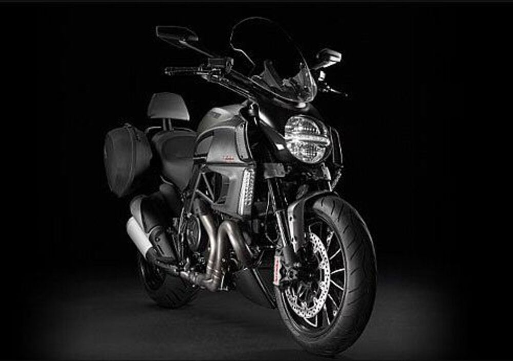 Ducati Diavel Strada (2010 - 14) (4)