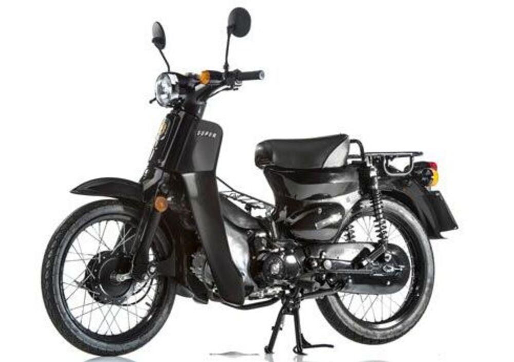 Super Motor Company Pin 120