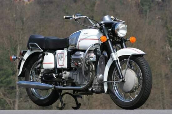 Moto Guzzi V7 700, 1967