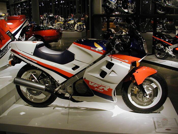 La Honda VFR750F Interceptor per il mercato U.S.A.