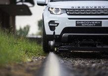 Land Rover Discovery Sport: tre vagoni al traino per 10 km