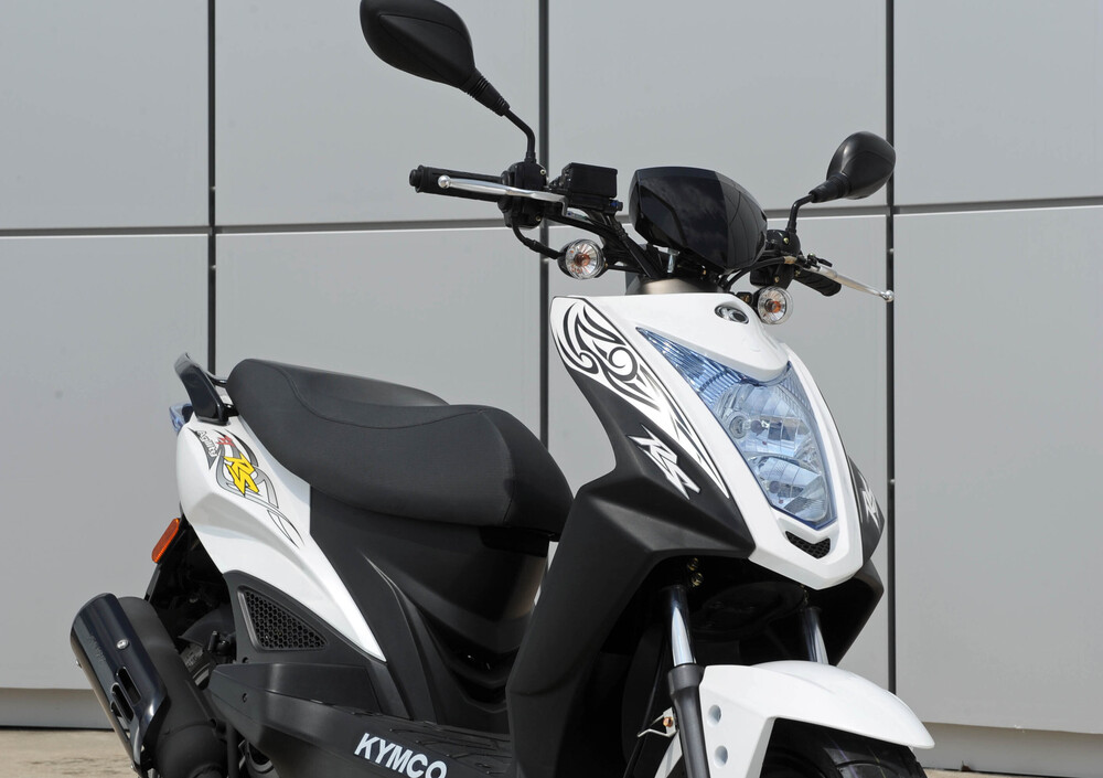 Kymco Agility 50 RS naked (2010 - 19) (4)