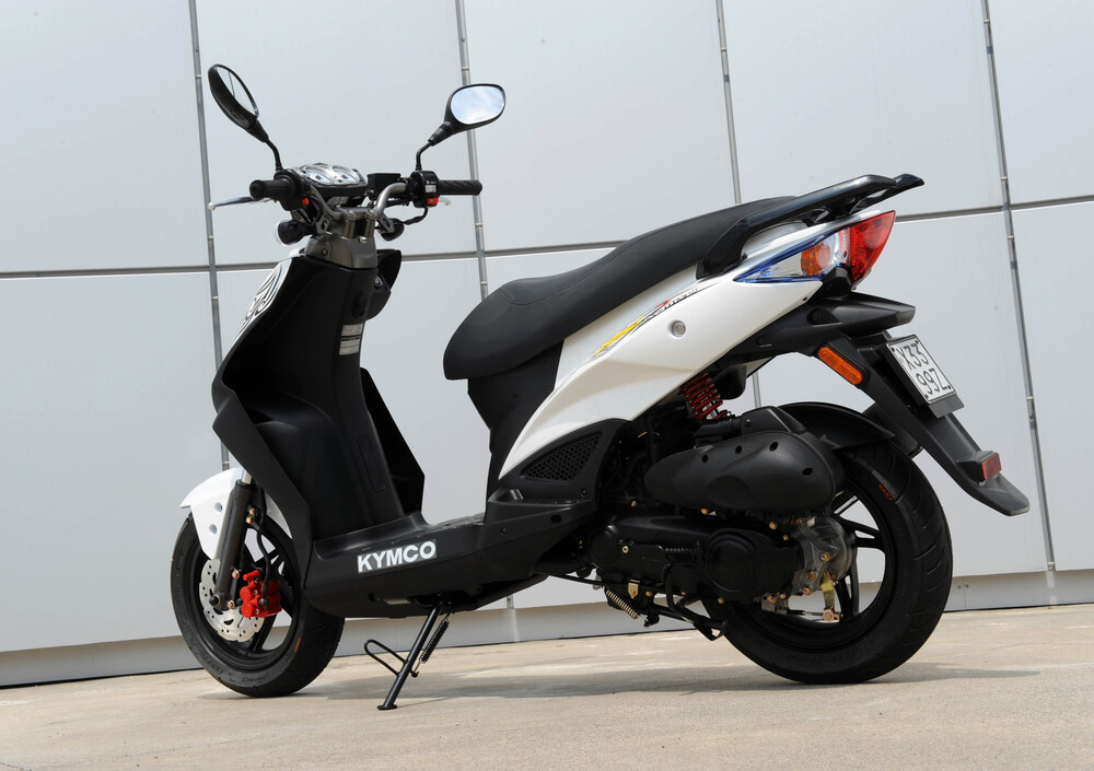 Kymco Agility 50 RS naked (2010 - 19) (5)