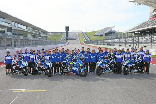 Il reparto corse Yoshimura al completo con il collaudatore MotoGP De Puniet al Circuit of the Americas