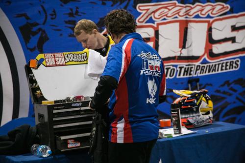 Il team GUS Racing fornisce la logistica