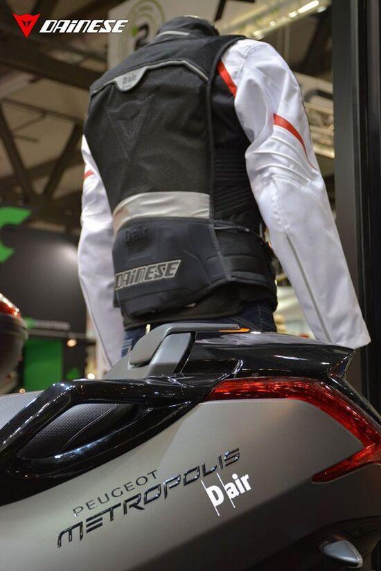 Dainese e Peugeot Scooters insieme al servizio della sicurezza