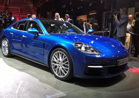 Nuova Porsche Panamera: quando la sportiva incontra il lusso