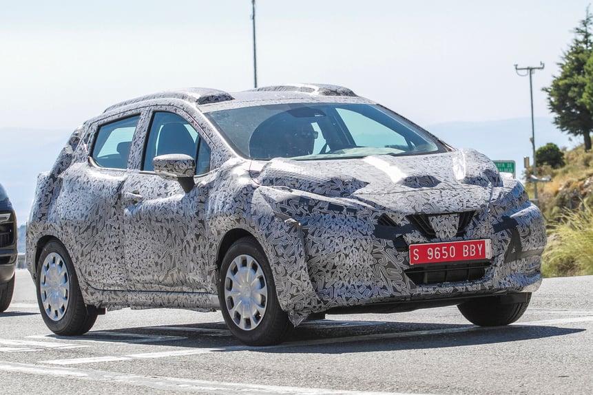 Nuova Nissan Micra, ecco le prime foto su strada (3)