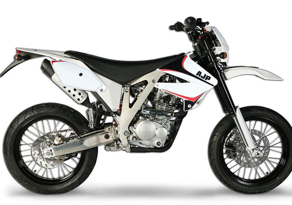 AJP PR3 Supermoto Pro 125