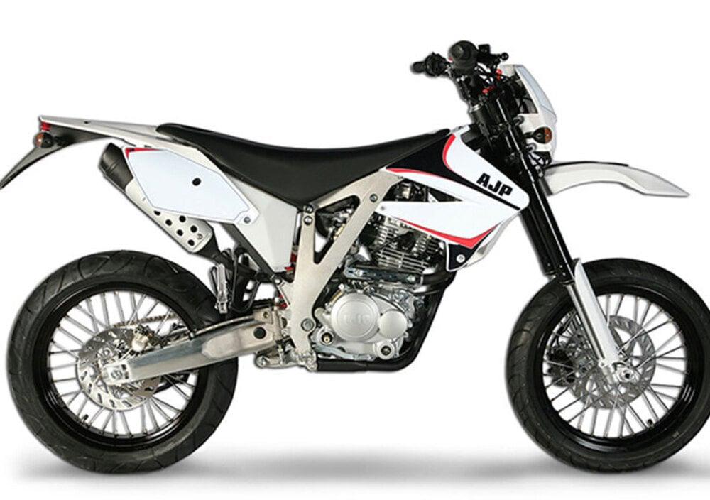 AJP PR3 Supermoto Pro 240