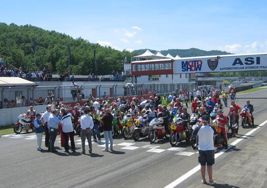 La Parata dei Campioni all'ASI Moto Show di Varano