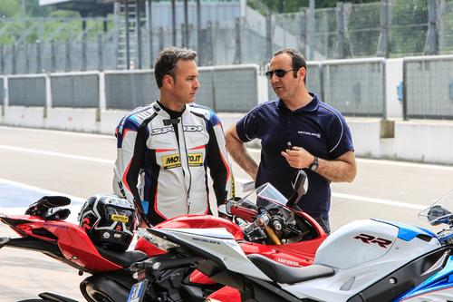 Alessandro Abate, testing manager Metzeler, ci ha assistito durante la nostra prova