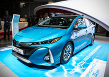 Toyota Prius Plug-In Hybrid al Salone di Parigi 2016 [Video]