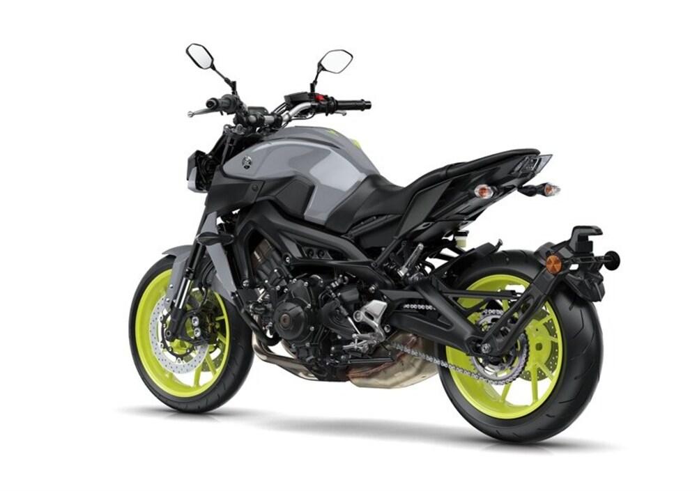 Yamaha MT-09 (2017 - 19), prezzo e scheda tecnica -